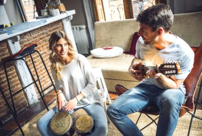 Музыкальные инструменты в квартире – интерьер по новому